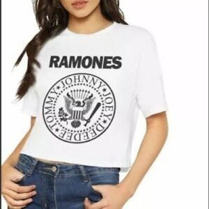 🆕RAMONES CROPPED BAND TEE IN WHITE